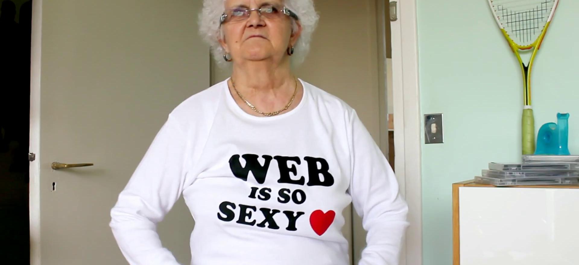 iim institut internet multimedia meme lulu lucienne moreau 1920x880 - Lucienne, la mamie la plus décalée du net, donne ses conseils de pro