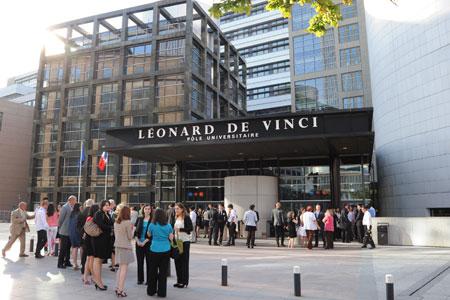 http://www.iim.fr/wordpress/wp-content/uploads/2013/03/pulv_pole-universitaire-leonard-de-vinci_emlv_esilv_iim.jpg