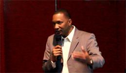 Le professeur Marcus Jones, en conférence à l'IIM