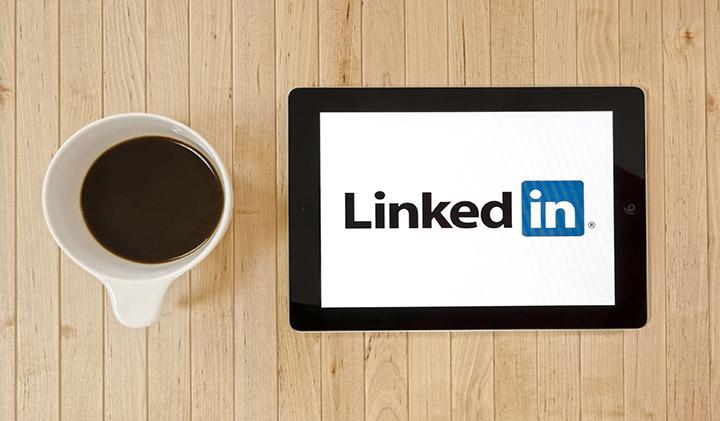 linkedin blunders1 - Linkedin : quels secteurs recrutent ?