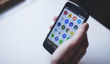 mosaiquedigitale 380x222 - Smartphones, applications et vie numérique : la mosaïque digitale