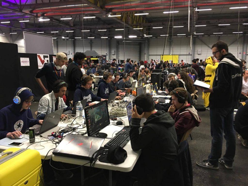 18111095 10154822619948025 1047934518 o 1024x768 - e-sport : la section du Pôle Léonard de Vinci à la BallzyParty#2 et la Gamers Assembly 2017, deux évènements jeu vidéo !