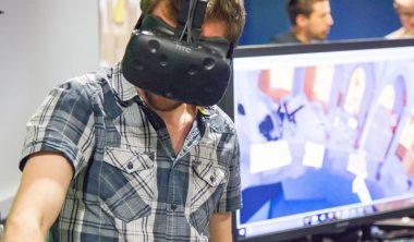 projet realite virtuelle 380x222 - Réalité virtuelle, jeu vidéo, appli mobile, stratégie digitale... les projets de 4e année