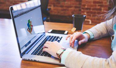 UNE portfolios 1 380x222 - Une sélection de thèmes wordpress gratuits pour créer simplement vos portfolios