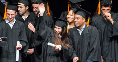 une remise diplomes 380x200 - Remise des diplômes : la promo 2017 de l'IIM, l'école du digital