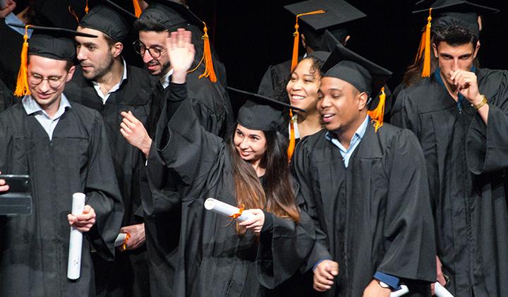 une remise diplomes - Remise des diplômes : la promo 2017 de l'IIM, l'école du digital