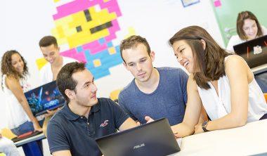 Les cinq axes métiers du bachelor de l'IIM couvrent les grands domaines et secteurs du digital.