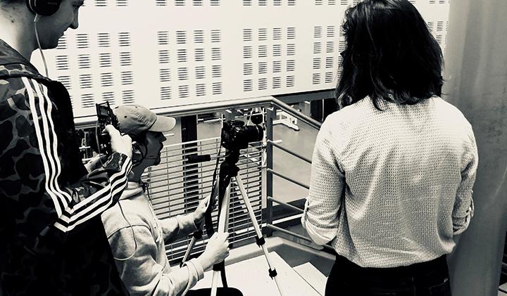 tournage vidéo electif trepied reflexe - Tourner et monter un court métrage en une semaine