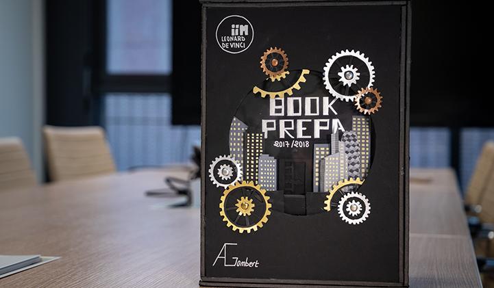 Book Creation Design Couverture IIM - Réaliser un Book Graphic Design en un an, le défi des étudiants en année préparatoire à l'IIM