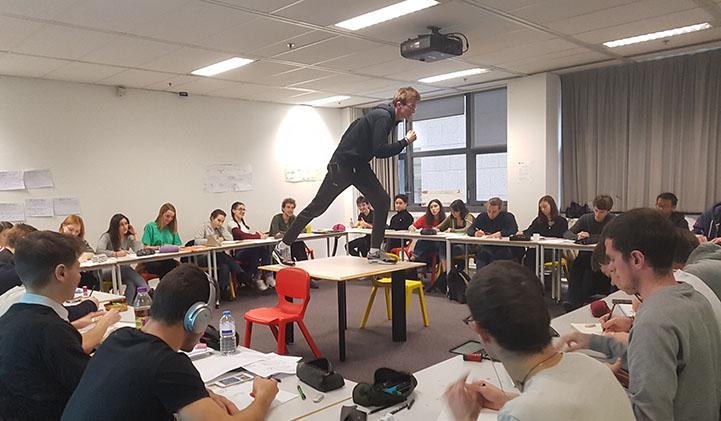 iim creation design anatomie module - Capturer le mouvement et le reproduire : atelier dessin sur l'anatomie humaine au Louvre