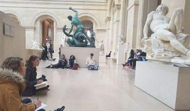 iim louvre musee module anatomie creation design 380x222 - Capturer le mouvement et le reproduire : atelier dessin sur l'anatomie humaine au Louvre