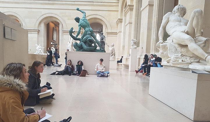 iim louvre musee module anatomie creation design - Capturer le mouvement et le reproduire : atelier dessin sur l'anatomie humaine au Louvre