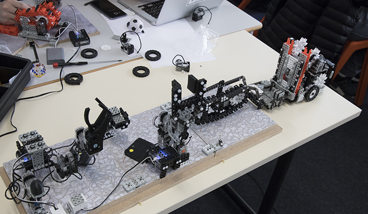 educabot iim robot - Réaliser une chaîne de production robotisée avec l'association Educabot