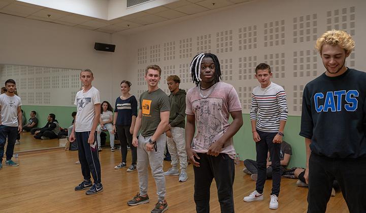 iimpact lkw danse welcome week iim - IIMPACT, le Club Ecole de l'IIM, prend le contrôle de la semaine d'intégration