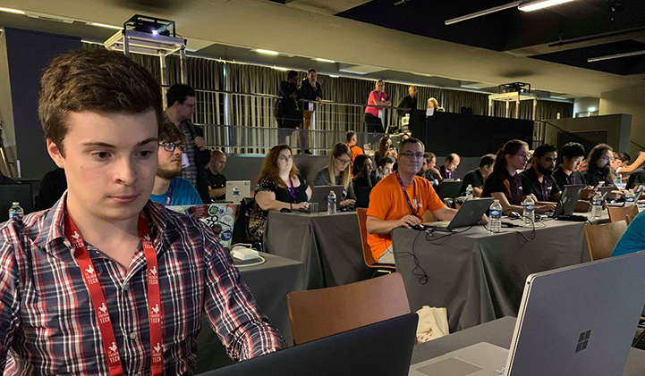 mdf 2019 iim codage hackathon - Deux étudiants de l'IIM se prêtent au plus grand hackathon de France, le MDF 2019
