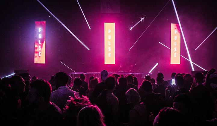 romain pulse portfolio creation design iim - Romain, promo 2022, un style futuriste, minimaliste et très axé numérique