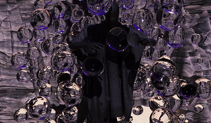 romain underwater portfolio creation design iim - Romain, promo 2022, un style futuriste, minimaliste et très axé numérique