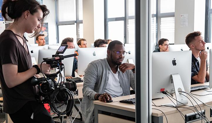 adobe success story iim - Adobe réalise deux vidéos sur l'IIM : transversalité et créativité mises à l'honneur