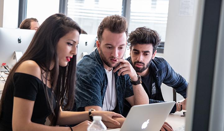 projets personnels cv recrutement digital - Quels projets personnels entreprendre pour alimenter son CV quand on postule dans le digital ?