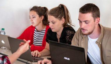 iim cours en ligne covid 19 380x222 - Continuité pédagogique à l'IIM : comment les cours s'organisent à distance ?