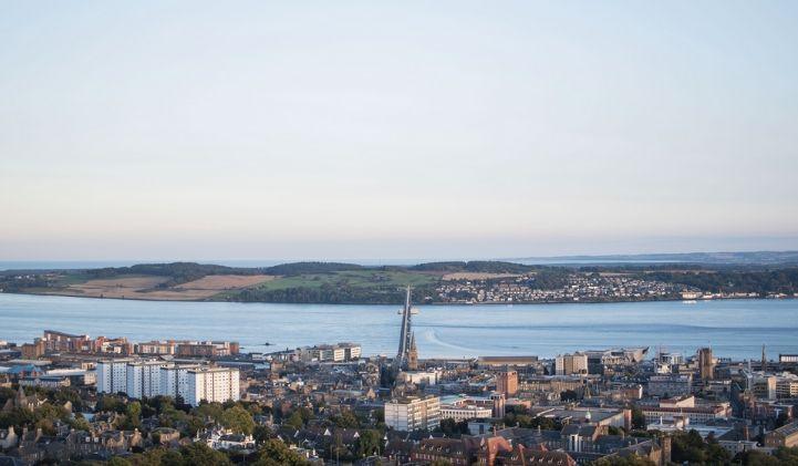 edouard ecosse fleuve tay iim - Edouard, promo 2022, en échange universitaire à L'University of Abertay Dundee en Écosse