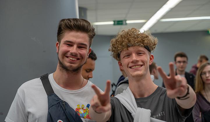 iimpact welcome week - 7 associations du Pôle Léonard de Vinci idéales pour les étudiants de l'IIM