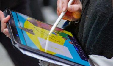 trouver travail graphic design dessin digital diplome 380x222 - Objectif premier emploi : comment trouver du travail dans le dessin digital ?