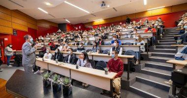rentree 2020 promo 2025 iim 380x200 - La fresque de la biodiversité : les étudiants de première année de l'IIM, L'ESILV et l'EMLV unis pour la protection des espèces