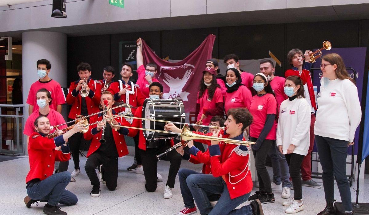 octobre rose recolte dons - Octobre Rose : le Pôle Léonard de Vinci se mobilise pour la ligue contre le cancer